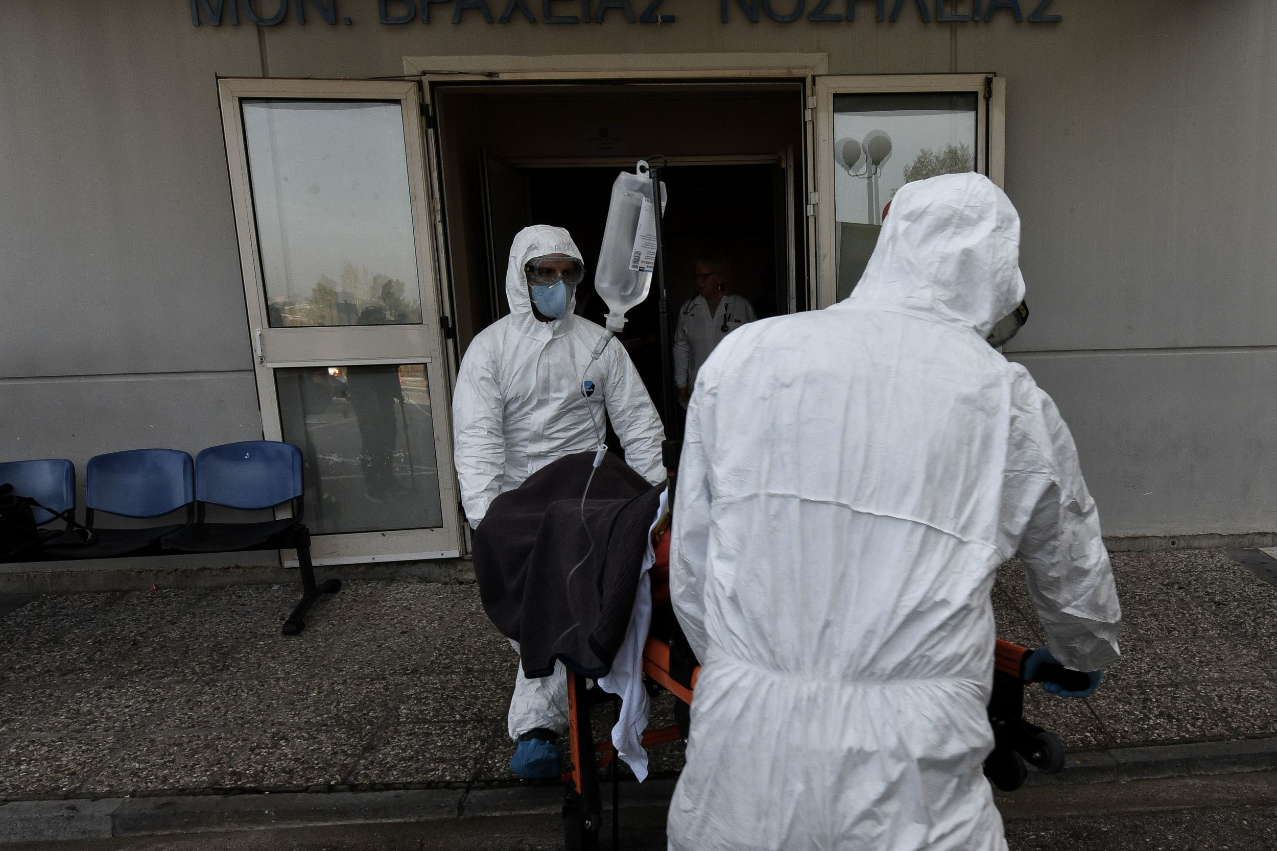 , Κορονοϊός: 34 θάνατοι- 610 νέα κρούσματα, κανένα στην Μεσσηνία