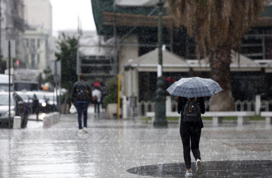 , Έκτακτο δελτίο ΕΜΥ: Καταιγίδες, θυελλώδεις άνεμοι, «βουτιά» 10 βαθμών στη θερμοκρασία