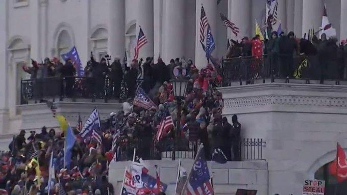 , ΗΠΑ: Οπαδοί του Τραμπ εισέβαλαν στο Καπιτώλιο (βίντεο)