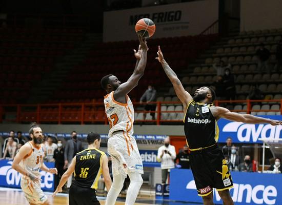 , Basket League: Νίκη τριάδας για τον Προμηθέα επί της ΑΕΚ με μπάζερ μπίτερ του Γκραντ