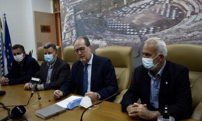 , Γήπεδο Μεσσηνιακού: Ο Νίκας υπέγραψε την προγραμματική σύμβαση για την αλλαγή χλοοτάπητα