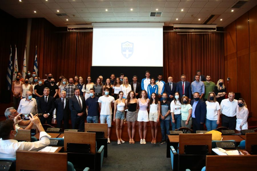, Η παρουσίαση της επίσημης στολής της ελληνικής ομάδας για τους Ολυμπιακούς Αγώνες (φωτο)