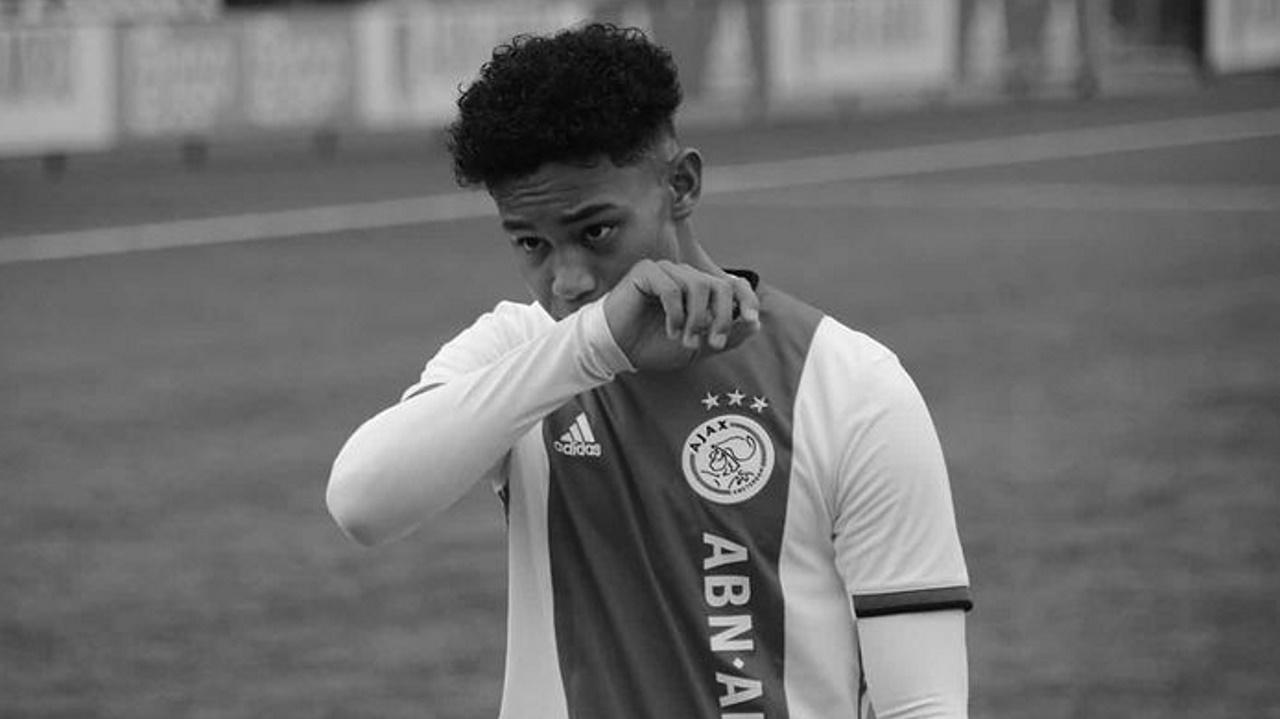 , Σοκ στον Άγιαξ: Έχασε τη ζωή του 16χρονος ποδοσφαιριστής (pic)