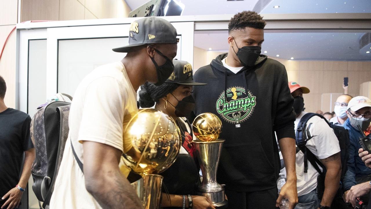, Αντετοκούνμπο: Αύριο στα Σεπόλια με το τρόπαιο του NBA (pic)